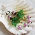 Zöld harangvirág fülbevaló, Ékszer, Fülbevaló, Egyedi, elegáns fülbevaló zöld és rózsaszín színekben akryl virágól és tekla gyöngyből valamint cseh..., Meska