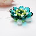 Kék virág nyaklánc, Kis virágocska zöld, emerald és fehér színben...