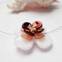 Mandulavirág, Ékszer, óra, Medál, Nyaklánc, Tavaszi virágformát alkottam rose petal, csiszolt és toho gyöngyökből. A medál átmérője 30mm.  Láncr..., Meska