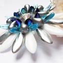 Floralia medál, Ékszer, Medál, Nyaklánc, Kék, szürke, ezüst, blue ab és fehér színben készítettem el ezt a virág alakú medált Kahancza Ilona ..., Meska
