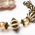 Triscent nyakék, Ékszer, Medál, Nyaklánc, Csodás, visszafogott, csillog és nagyon szép!  5 db fűzött oliva és beige bogyóból valamint 6db gold..., Meska