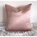 Rózsaszín, mályva pink selyem díszpárnahuzat (több méretben), Otthon & lakás, Szerelmeseknek, Ünnepi dekoráció, Dekoráció, Lakberendezés, Lakástextil, Párna, LEÍRÁS • méret: 30x30 / 40x40 / 45x45 / 50x50 cm • szín: világos rózsaszín / mályva • anyag: poliész..., Meska