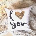 """Flitter Arany Szív Karácsonyi szerelmes flitteres díszpárna """"I Love You"""" kézzel hímezve, flitteres ajándék párna, Otthon & lakás, Karácsony, Szerelmeseknek, Ünnepi dekoráció, Dekoráció, Lakberendezés, Lakástextil, Párna, • KÉZZEL KÉSZÍTETT DEKOR PÁRNAHUZAT EGYEDI NYOMATTAL ÉS ARANY FLITTERREL  Elkészítési idő: 2-3 munka..., Meska"""