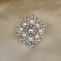Ezüst-ekrü csipkés gyűrű, Ékszer, Gyűrű, Ekrü és ezüstszürke színű üvegtekla gyöngyből és matt ezüst  kásagyöngyből készült csipkés hatású kü..., Meska