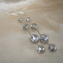 Quatro dots -  ezüstszürke gyöngyös drótékszer fülbevaló, Ezüstözött ékszerdróttal tekert, matt ezüst ...