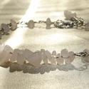 Rózsakvarc karkötő, Ékszer, Karkötő, Rózsakvarc ásvány splitterekkel díszített egyszerű és mutatós drótékszer karkötő. Az ívelt rész hoss..., Meska