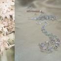 Pasztell rózsaszín hosszú nyaklánc, Ékszer, Nyaklánc, Rózsa- és málnakvarc ásvány splitterek, illetve halvány rózsaszín és lüszterezett áttetsző cseh üveg..., Meska