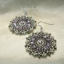 Vintage lila-ezüst kerek gyöngy fülbevaló, Ékszer, Fülbevaló, Antikolt és világos ezüstszürke kásagyöngyökből és pasztell lila cseh csiszolt gyöngyökből készített..., Meska