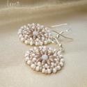 Mélange - drapp-fehér kerek gyöngy fülbevaló, Drapp duo twin gyöngyökből, fehér kerek  prés...