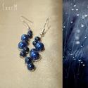 Blue bubbles - Sötétkék gyöngyös drótékszer fülbevaló, Ékszer, Fülbevaló, Ékszerkészítés, Fémmegmunkálás, Sötétkék cseh üvegtekla gyöngyökkel díszített drótékszer fülbevaló - Hossza 4 cm, akasztóval együtt..., Meska