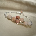 Pink aventurin ásvány karkötő, Ékszer, Karkötő, 6 mm-es matt, púderrózsaszín árnyalatos aventurin ásvány gyöngyökből készített drótéksz..., Meska