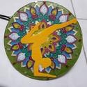 """""""Jóga"""" kristálymandala, Dekoráció, Kép, Festett tárgyak, 20 cm átmérőjű üvegre festettem, mindkét oldalát és díszhomokot is használtam festéskor.  Ásványokk..., Meska"""