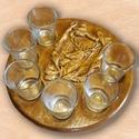 egyedi pálinkás készlet vadásznak kör alakú tömör fából a maga természetes szépségében, Férfiaknak, Horgászat, vadászat, Sör, bor, pálinka, Famegmunkálás, Festett tárgyak, Aprólékosan megmunkált, mívesen díszített pálinkás készlet vadásznak  6 darab pálinkás pohárral.  A..., Meska