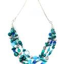 Türkiz romantika nyaklánc, Ékszer, Nyaklánc, A nyaklánc fém, türkiz, illetve kék színű kása, üveg-, illetve fagyöngy felhasználásával készült. Eg..., Meska