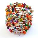 DNS karkötő, Ékszer, Karkötő, A memória karkötő alapra vegyes színű és formájú üveg-, műanyag-, szalma-, ásvány-, kagyló-, fa és k..., Meska