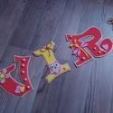 VIRÁG - Bababetű, nevek, betűk., Baba-mama-gyerek, Dekoráció, Gyerekszoba, Baba falikép, Mindenmás, Dekorgumiból készítem a betűket  kartonra vannak ragasztva. Aranyos figurákkal vannak díszítve,masn..., Meska