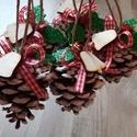 5db Toboz karácsonyi dekoráció, karácsonyfa dísz, késztermék, Dekoráció, Otthon, lakberendezés, Ünnepi dekoráció, Karácsonyi, adventi apróságok, Festészet, Virágkötés, Egyszerű és mutatos disze lehet lakásodnak vagy ajándékkísérőnek is kiváló.  5 tobozt festettem, ma..., Meska