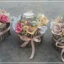 Tavaszi púderes szett  virágbox asztaldísz , Dekoráció, Otthon, lakberendezés, Esküvő, Asztaldísz, Mindenmás, Virágkötés, Púderes vidám szines asztaldíszek.  A dobozokat faágakkal vontam körben , majd a közepére mécsestar..., Meska