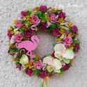 Flamingós virágos szines ajtódísz kopogtató koszorú , Otthon & lakás, Dekoráció, Lakberendezés, Ajtódísz, kopogtató, A szalmaalapot bevontam, majd selyemvirágokkal, sajàt gumivirágokkal, termésekkel, kóc golyókkal és ..., Meska