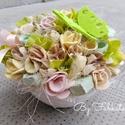 Lepkés virágos asztaldísz virágbox kerámia kaspóban, Esküvő, Otthon & lakás, Dekoráció, Lakberendezés, Asztaldísz, Meghívó, ültetőkártya, köszönőajándék, Egy kerámia kaspót kibéleltem, majd saját gumivirágokkal, filc lepkével, termésekkel díszítettem.  M..., Meska