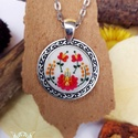 """""""Piros tűzvirág"""" – A matyó hímzés által ihletett kerek polimer agyag medal , Ékszer, Medál, Nyaklánc, Egyedülálló polimer agyag medál, amelyet a hagyományos matyó hímzés ihletett. A medál fém ..., Meska"""