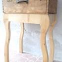 Lába nőtt a bőröndnek- Asztal, Otthon, lakberendezés, Bútor, Asztal, Famegmunkálás, Az elárvult koffer évtizedek óta porosodott, rég nem utazott sehova, még a szú is elhagyta, csak ny..., Meska
