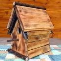 Madárlak, Tömör fából készült madárház ami hosszú i...