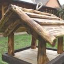 Madár etető közepes méret, Tömör fából készült, közepes méretű ruszt...