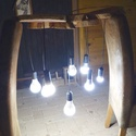 Lámpa, Szilvafa korongokból készült mennyezeti lámpa.