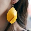 Sun Shield - sárga bőr fülbevaló, Ékszer, Ruha, divat, cipő, Fülbevaló, Női ruha, Ékszerkészítés, Napsárga szintetikus bőrből készült modern fülbevaló.  Azoknak ajánlom, akik szeretik a látványos, ..., Meska