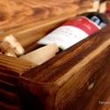 Bortartó doboz, Dekoráció, Otthon, lakberendezés, Tárolóeszköz, Doboz, Bortartó doboz.  41x14x14 cm.  Antik, újrahasznosított faanyagból készült. Biopin kemenyolajjal keze..., Meska