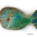 Egy fajta hal - fogas akasztó , egyedi, festett fa dekoracio. falra akaszthato. kb...