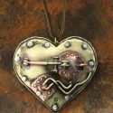 """Steampunk gépszív, Ékszer, Medál, Egyedi, steampunk ékszer. """"Zakatol a szívem"""" kifejezés ihlette ezt a különleges medáltt.  Felnyithat..., Meska"""