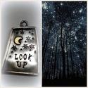 Nézz fel!, Ékszer, óra, Medál, Ötvös,  Ezüstből készült ez a különleges medálka, a pici hold a belsejében viszont rézből van.  , Meska