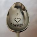 Kávéskanálka, Konyhafelszerelés,  A szöveget egy antik alpakka mokkáskanálba kalapálom bele betűnként aprólékos munkával. Ezután szép..., Meska