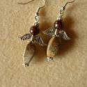 """Angyalka (gránát, """"csavart"""" jáspis) - fülbevaló, 3,5 cm-es angyalfigura gránát és jáspis kövek..."""