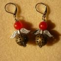 Angyalka (red kunzit és áttört bronz golyó) - fülbevaló, Ékszer, Fülbevaló, Ezt a 3 cm-es angyalkát piros (red) kunzitból és nikkelmentes áttört gyöngyből készítettem...., Meska