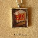 Agatha Christie: Az ABC gyilkosságok (ezüst színű), Agatha Christie regényének címlapja van a 22x27...