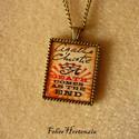Agatha Christie: És eljő a halál (bronz), Ékszer, Nyaklánc, Agatha Christie regényének címlapját ábrázoló 22x27 mm-es képet fedtem üveg hatású matric..., Meska