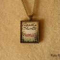 Agatha Christie: Nemezis (nyaklánc, 22x27 mm), Agatha Christie regényének címlapját használt...