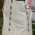 Fehérnép vászon szoknyája, Magyar motívumokkal, Ruha, divat, cipő, Női ruha, Szoknya, Hímzés, Varrás, Előmosott nyersvászonból készült női szoknya. Hosszanti irányban 12 darabból szabtuk, alját előgőzö..., Meska