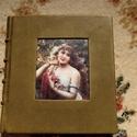 Fiatal hölgy a kertben könyv, Naptár, képeslap, album, Jegyzetfüzet, napló, Kézzel, cérnára fűzött fehér (üres) lapokkal készült könyv.  Mérete: 18*19,5 cm Oldalszám: 208  Egy ..., Meska
