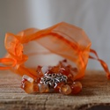 Narancs életerő karkötő, Ékszer, óra, Karkötő, Ékszerkészítés, Gyöngyfűzés, Sokféle árnyalata van a narancsnak, ez a karneol splitterekből készített karkötő ebből képvisel néh..., Meska