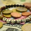 Bitcoin háromszínű ásvány karkötő férfiaknak onix és jáspis gyöngyökből,  Egyedi ajánlat bitcoin mániásoknak ez a 6 mm-e...