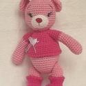 Macika- rózsaszín horgolt figura, Baba-mama-gyerek, Játék, Plüssállat, rongyjáték, Horgolás, Hímzés, Egyedi díszítésű rózsaszín minőségi pamut fonalból horgolt maci , kislányoknak.   Minden rögzítve v..., Meska