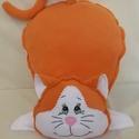 Marci a vörös cica - polár párna, Állatfelszerelések, Otthon, lakberendezés, Lakástextil, Párna, Fehér és narancs színű polár anyagból készült. Kedves ajándék lehet kicsiknek-nagyoknak. M..., Meska