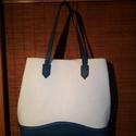 Shopper, Táska, Válltáska, oldaltáska, Bőrművesség, Varrás, Ezt a női táskát egy fehér és egy kék marhabőrből készítettem .Az alsó részt egy domborításos techn..., Meska