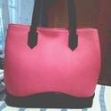 Shopper, Táska, Válltáska, oldaltáska, Ezt a női táskát egy rózsaszín  és egy fekete marhabőrből készítettem .Az alsó részt egy domborításo..., Meska