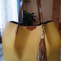 Sárga női shopper, Táska, Ezt a női táskát egy finom marha bőrből készítettem amit velurral erősítettem ki ennek köszönhetően ..., Meska