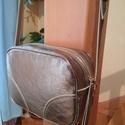 Bronz kis táska, Táska, Válltáska, oldaltáska, Ezt a kis táskát egy bromz színű marha bőrből készítettem alkalmas különleges vagy akár minfen napok..., Meska